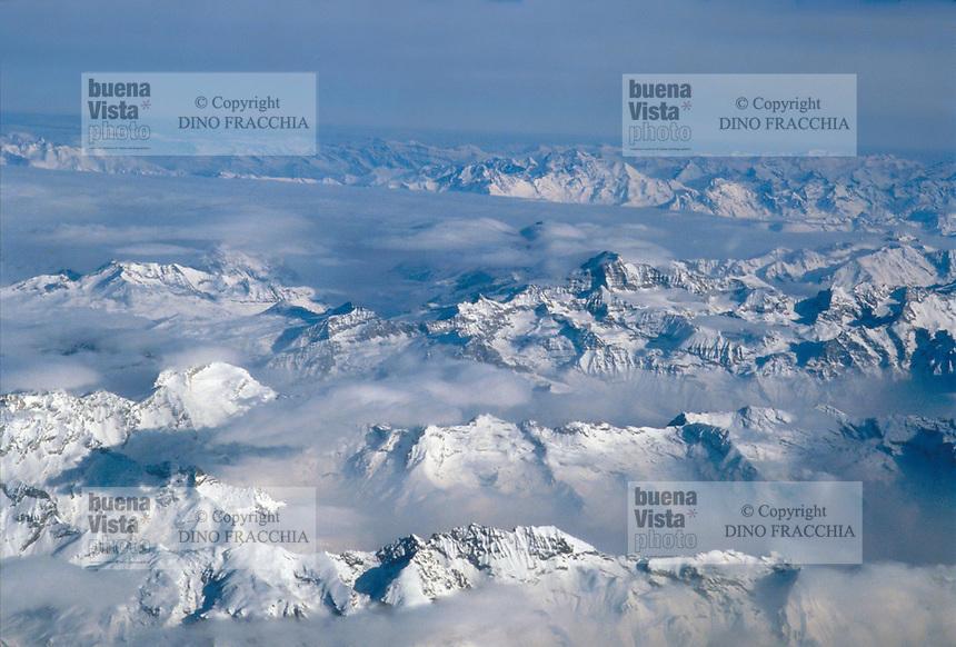 - western Alps panorama ....- panorama delle Alpi occidentali