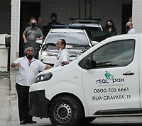 08/04/2021 - CASAL SUSPEITO DO CASO HENRY CHEGA NO IML DO RIO