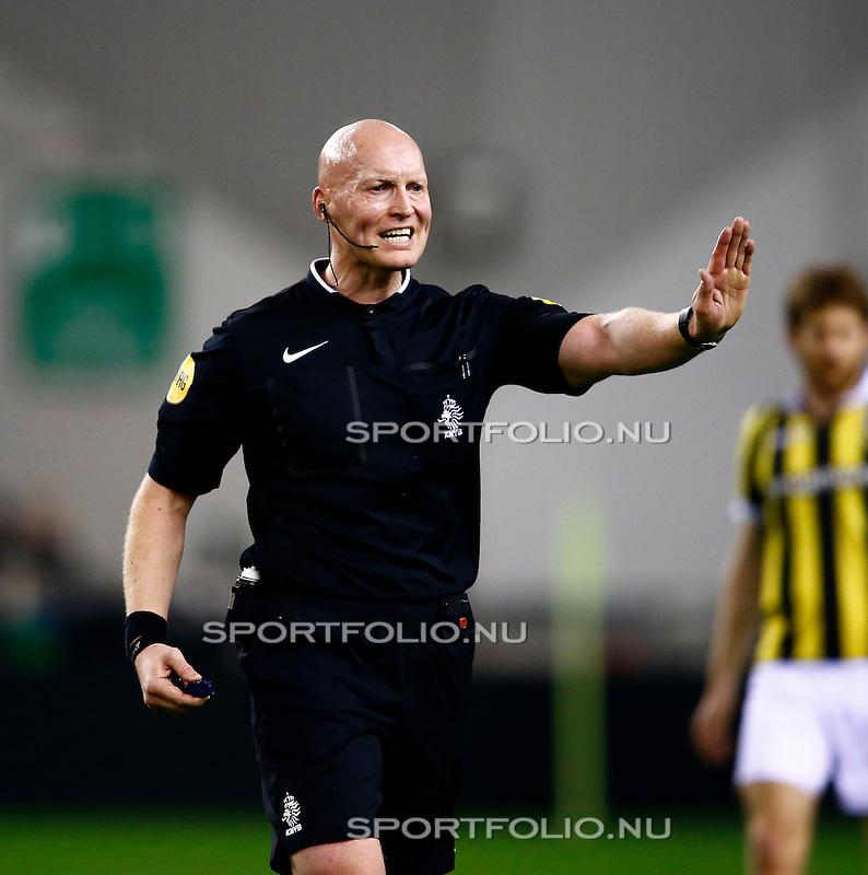Nederland, Arnhem, 13 februari 2016<br /> Eredivisie<br /> Seizoen 2015-2016<br /> Vitesse-SC Heerenveen <br /> Scheidsrechter Siemen Mulder.