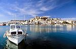 Spanien, Balearen, Ibiza (Eivissa), Ibiza-Stadt: mit Altstadtbezirk Dalt Vila, Kathedrale und Hafen | Spain, Balearic Islands, Ibiza (Eivissa), Ibiza-Town: with Old Town Dalt Vila, cathedral and harbour