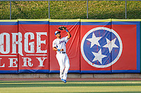 Tennessee Smokies center fielder Brennen Davis (21) on defense against the Chattanooga Lookouts at Smokies Stadium on June 18, 2021, in Kodak, Tennessee. (Danny Parker/Four Seam Images)