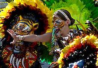 BARRANQUILLA-COLOMBIA- 26-02-2017: Stephanie Mendoza, reina 2017 del Carnaval, durante la Gran Parada, Desfile Tradición del carnaval 2017. Carnaval de Barranquilla 2017 invita a todos los colombianos a contagiarse del Jolgorio general de una de las festividades más importantes del país y que se lleva a cabo del 9 hasta el 28 de febrero de 2016. / Stephanie Mendoza, queen 2017 of Carnaval, during the Gran Parada, Tradicion parade of the Carnaval 2017. Carnaval de Barranquilla 2017 invites all Colombians to catch the general reverly that make it one of the most important festivals of the country and take place until February 28, 2017.  Photo: VizzorImage / Alfonso Cervantes / Cont