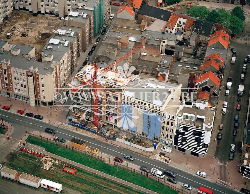 Mei 1996. Gebouw Van Roosmalen, St-Michielskaai, Antwerpen van architect Bob Van Reeth.