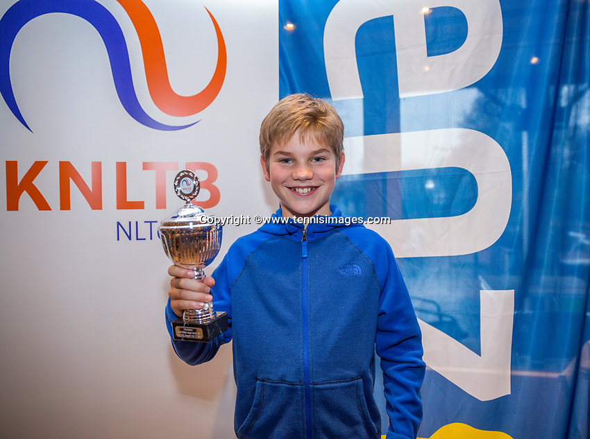 Hilversum, Netherlands, December 3, 2017, Winter Youth Circuit Masters, 12,14,and 16 years, 5 th place boys  12 years Teun Mantel<br /> Photo: Tennisimages/Henk Koster
