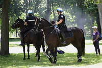 ARCHIVES - Policiers a cheval, a Montreal<br /> <br /> PHOTO :  Agence Quebec Presse