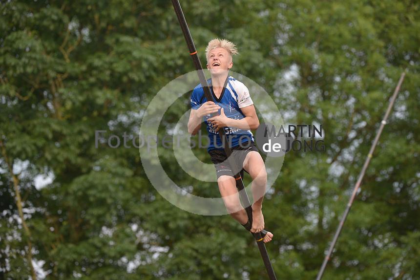 FIERLJEPPEN: GRIJPSKERK: 14-07-202, 1e klasse fierljeppen, Germ Terpstra, ©foto Martin de Jong