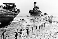 India 1992 Alang. Ships Scrapyard