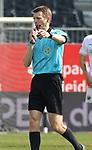 Schiedsrichter der Partie Benjamin Cortus mit einem Foulpfiff  beim Spiel in der 2. Bundesliga, SV Sandhausen - Wuerzburger Kickers.<br /> <br /> Foto © PIX-Sportfotos *** Foto ist honorarpflichtig! *** Auf Anfrage in hoeherer Qualitaet/Aufloesung. Belegexemplar erbeten. Veroeffentlichung ausschliesslich fuer journalistisch-publizistische Zwecke. For editorial use only. For editorial use only. DFL regulations prohibit any use of photographs as image sequences and/or quasi-video.