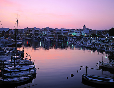 Spanien, Mallorca: Hafen von Cala Rajada im Abendlicht   Spain, Mallorca: Cala Rajada harbour at sunset