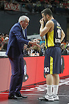 Fenerbahce Ulker Istambul's coach Zeljko Obradovic have words with his player Melih Mahmutoglu during Euroleague Semifinal match. May 15,2015. (ALTERPHOTOS/Acero)