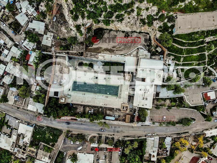 Vista aerea del Museo Regional de Sonora, INAH, fue la primera cárcel de Hermosillo, antigua penitenciaría.  Se fundó en el año de 1815 en el centro historico y faldas del cerro de la campana icono de la ciudad. En los últimos años del siglo XIX el gobierno del estado de Sonora decidió la construcción de un moderno edificio con fines penitenciarios, para ello se contrató al ingeniero nacido en Francia Arthur Francis Wrotnowski...<br /> City Aerial Shot, Arquitecture, City Day, Edificios Hermosillo, Mexico Sonora, aerial, aerial landscape, aerial photography, aerial view, view of city, ,day, daylight,  edificios antiguos, edificios y fachadas, outdoors<br /> (Foto: LuisGutierrez/NortePhoto.com)<br /> <br /> Aerial view of the facade of the Regional Museum of Sonora, INAH, was the first prison in Hermosillo, a former penitentiary. It was founded in the year of 1815 on the slopes of the hill of the icon bell of the city. In the last years of the nineteenth century the government of the state of Sonora decided to build a modern building for prison purposes, for which the French-born engineer Arthur Francis Wrotnowski.