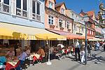 DEU, Deutschland, Baden-Wuerttemberg, Meersburg am Bodensee: Seepromenade, Cafes und Restaurants | DEU, Germany, Baden-Wuerttemberg, Meersburg at Lake Constance: seaside promenade, cafes and restaurants