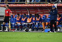 BOGOTA - COLOMBIA – 28 - 02 - 2018: Los jugadores de Millonarios (COL), observan el partido desde la banca, durante partido entre Millonarios (COL) y Corinthians (BRA), de la fase de grupos, grupo 7, fecha 1 de la Copa Conmebol Libertadores 2018, en el estadio Nemesio Camacho El Campin, de la ciudad de Bogota. / The Players of Millonarios (COL), watch the game from the bench, during a match between Millonarios (COL) and Corinthians (BRA), of the group stage, group 7, 1st date for the Conmebol Copa Libertadores 2018 in the Nemesio Camacho El Campin stadium in Bogota city. VizzorImage / Luis Ramirez / Staff.