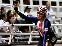 CALI – COLOMBIA – 18-02-2017: Sara Hammer de Estados Unidos, gana medalla de oro en la prueba de Scratch Damas, en el Velodromo Alcides Nieto Patiño, sede de la III Valida de la Copa Mundo UCI de Pista de Cali 2017. / Sara Hammer from Estados Unidos, win a gold medal in the Women´s Scratch Race at the Alcides Nieto Patiño Velodrome, home of the III Valid of the World Cup UCI de Cali Track 2017. Photo: VizzorImage / Luis Ramirez / Staff.