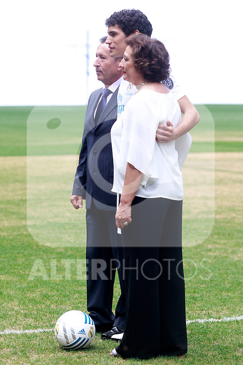 Real Madrid's new player Jesus Vallejo with his family during his official presentation. July 7, 2017. (ALTERPHOTOS/Acero)