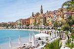 France, Provence-Alpes-Côte d'Azur, Menton: with lido and restaurant Les Sablettes Beach at Promenade de la Mer | Frankreich, Provence-Alpes-Côte d'Azur, Menton: mit Strandbad und Restaurant Les Sablettes Beach an der Promenade de la Mer