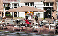 Nederland - Amsterdam - Juli 2020.    Horeca aan de Oranje-Vrijstaatkade in Oostpoort.  Foto ANP / Hollandse Hoogte / Berlinda van Dam