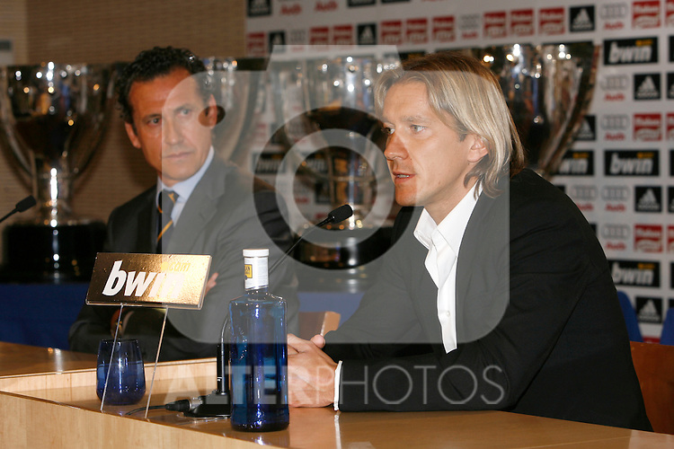 Michel Salgado during his last press conference like Real Madrid's player. August 05 2009. (ALTERPHOTOS).
