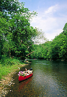 CANOEING ON THE BRANDYWINE RIVER. CHADDS FORD PENNSYLVANIA USA.