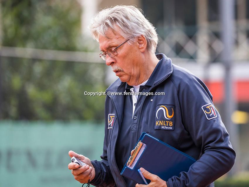 Hilversum, Netherlands, August 9, 2017, National Junior Championships, NJK, Umpire<br /> Photo: Tennisimages/Henk Koster