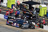 #4: Raphael Lessard, Kyle Busch Motorsports, Toyota Tundra Canac pit stop
