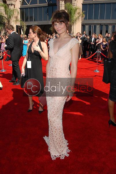 Jennifer Morrison<br />arriving at the 58th Annual Primetime Emmy Awards. The Shrine Auditorium, Los Angeles, CA. 08-27-06<br />Scott Kirkland/DailyCeleb.com 818-249-4998