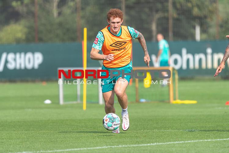 16.09.2020, Trainingsgelaende am wohninvest WESERSTADION - Platz 12, Bremen, GER, 1.FBL, Werder Bremen Training<br /> <br /> <br /> Joshua Sargent (Werder Bremen #19)<br />  ,Ball am Fuss, Querformat<br /> <br /> <br /> <br /> Foto © nordphoto / Kokenge