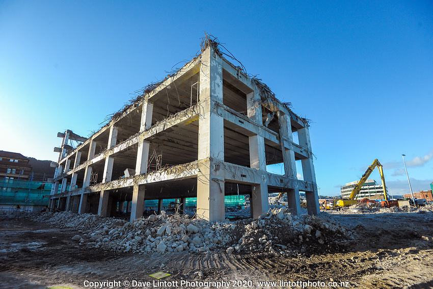 BNZ building demolition. CentrePort in Wellington, New Zealand on Tuesday, 15 September 2020. Photo: Dave Lintott / lintottphoto.co.nz
