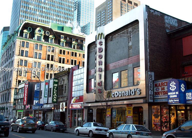 D&K :Montreal, December 3rd, 2000<br /> This McDonald restaurant located on Peel Street in downtown Montreal (Quebec, CANADA) is right now the only unionized McDonald franchise in North-America.<br /> After 4 months of unfair tactics by the franchise owner, the employees, most of them students where able to join  Quebec CSN (Confederation des Syndicats Nationaux - National Unions Confederation) Union.<br /> Photo : Pierre Roussel / Newsmakers - Liaison