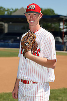 June 30th, 2007:  Logan Collier of the Batavia Muckdogs, Short-Season Class-A affiliate of the St. Louis Cardinals at Dwyer Stadium in Batavia, NY.  Photo by:  Mike Janes/Four Seam Images