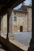 France, Aquitaine, Landes (40) , Hastingues: Abbaye d'Arthous  le cloître et l'église Notre-Dame //  France, Aquitaine, Landes, Hastingues: Arthous abbey, the cloister