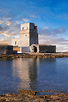 Pictures and images of the Torre San Teodoro (St Teodoro Tower) defensive fortification at the entrance to the Saline della Laguna salt pans, Isole dello Stagnone di Masala, Masala, Sicily