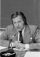 ARCHIVE -<br /> <br /> Le chef de la CSN Fernand Daoust en entrevue, Mai 1975<br /> <br /> Photo : Agence Quebec Presse  - Alain Renaud