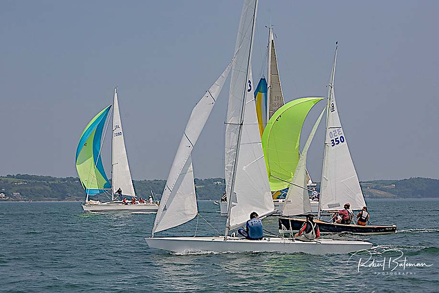 Dinghies and keelboats compete in the 2007 Round Spike Island race in Cork Harbour