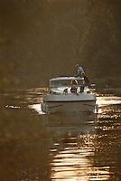France/16/Charente/Env de Cognac: Navigation fluviale sur la Charente