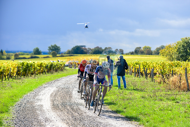 The chase group led by Valentin Madouas (FRA) Groupama-FDJ on the gravel roads through the vineyards during Paris-Tours 2020, running 213km from Chartres to Tours, France. 11th October 2020.<br /> Picture: ASO/Gautier Demouveaux | Cyclefile<br /> All photos usage must carry mandatory copyright credit (© Cyclefile | ASO/Gautier Demouveaux)
