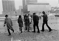Neige et pluie verglacante, Novembre 1972 (date exacte inconnue), rue university,<br /> <br /> PHOTO : Agence Quebec Presse -  Alain Renaud