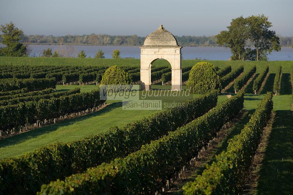 Europe/France/Aquitaine/33/Gironde/Villeneuve :  Vignoble du Chateau de Barbe AOC Côtes de Bourg et la Gironde