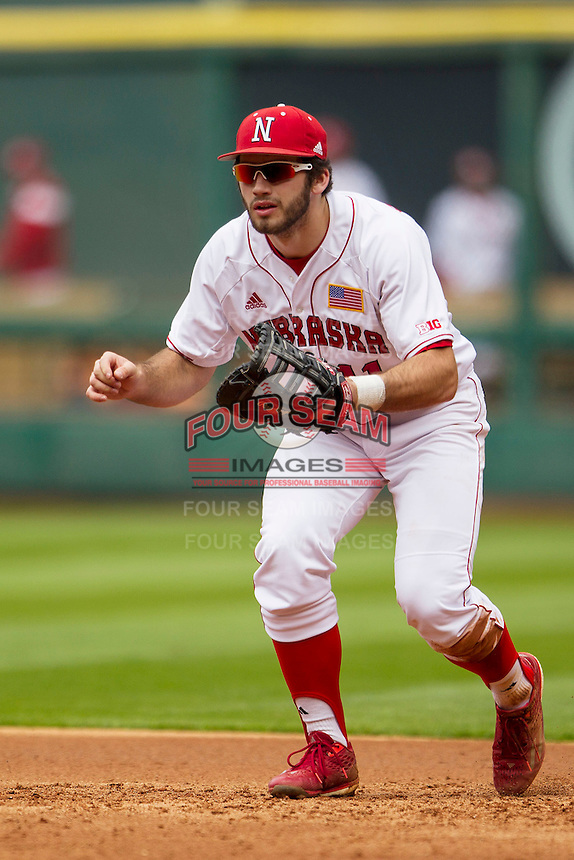 Nebraska Cornhuskers first baseman Scott Schreiber (11) on defense during the NCAA baseball game against the Hawaii Rainbow Warriors on March 7, 2015 at the Houston College Classic held at Minute Maid Park in Houston, Texas. Nebraska defeated Hawaii 4-3. (Andrew Woolley/Four Seam Images)