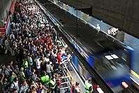 Superlotacao da Estacao do Metro Praca da Se. Sao Paulo. 2012. Foto de Juca Martins