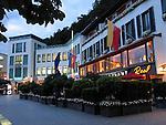 Abendstimmung in Vaduz, Hotel Real.Architektur,..Photo: Paul Trummer