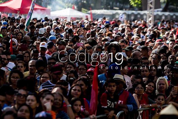 Sao Paulo, 01.05.2019 - ATO PRIMEIRO DE MAIO - As centrais sindicais dos trabalhadores realizaram nesta quarta-feira (1) um ato unificado para celebrar o primeiro de maio, no Vale do Anhangabau, centro de Sao Paulo; alem de protestos contra a reforma da Previdencia, evento contou com diversos shows.  (Foto: Carla Carniel/Código19)