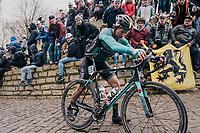 Bert de Backer (BEL/Vital Concept) with an unfortunate mechanical up the Kapelmuur /Muur van Geraardsbergen<br /> <br /> 102nd Ronde van Vlaanderen 2018 (1.UWT)<br /> Antwerpen - Oudenaarde (BEL): 265km