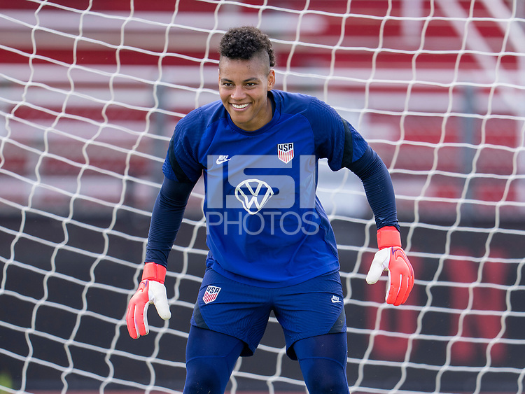 HOUSTON, TX - JUNE 8: Adrianna Franch #21 of the USWNT looks to the ball during a training session at the University of Houston on June 8, 2021 in Houston, Texas.
