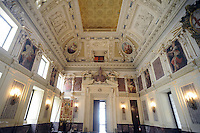 - Palazzo Marino, costruito fra il 1557 ed il 1563, dal 1861 storica sede del Comune di Milano ; la sala Alessi<br /> <br /> - Palazzo Marino, built between 1557 and 1563, from 1861 historic home of the Milan Municipality ; the Alessi room