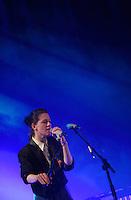 """Kat Frankie beim Konzert im """"Heimathafen"""" in Berlin Neukoelln am Mittwoch (14.11.12) - Record Release Konzert zum Album """"Please don't give me what I want"""" . Foto: aif / Norman Rembarz"""