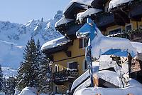 Europe/France/Rhone-Alpes/73/Savoie/Courchevel:  Hôtel-Restaurant: Le Cheval Blanc