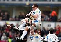 Photo: Richard Lane/Richard Lane Photography. London Wasps v Exeter Chiefs. 12/02/2012. Exeter's Tom Hayes wins a high ball.