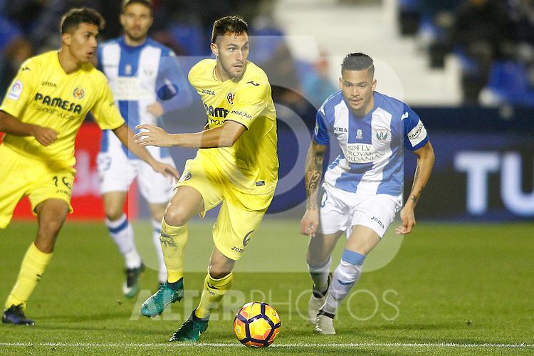 CD Leganes' Luciano Neves (r) and Villarreal CF's Victor Ruiz during La Liga match. December 3,2016. (ALTERPHOTOS/Acero)