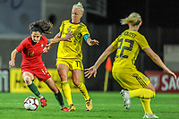 20200310 Faro , Portugal : Portugese midfielder Dolores Silva (14) , Swedish Caroline Seger (17) pictured during the female football game between the national teams of Portugal and Sweden on the third matchday of the Algarve Cup 2020 , a prestigious friendly womensoccer tournament in Portugal , on Tuesday 10 th March 2020 in Faro , Portugal . PHOTO SPORTPIX.BE | STIJN AUDOOREN